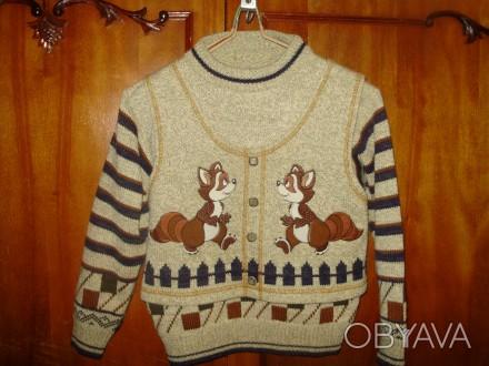 свитер в идеальном состоянии дл. рукава 41 см дл. по спи не 47 см. Кременчуг, Полтавская область. фото 1