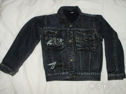 джинсовый пиджак в отличном состоянии почти не носили длина 42 см длина рукава 4. Кременчук, Полтавська область. фото 1