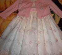 Красивое платье с подъюбниками и вышивкой лентами ,розочки с кофточкой на 1-3 го. Черкаси, Черкаська область. фото 2