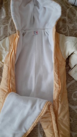 Продам осенний комбинезон, внутри на флисе, наполнитель холлофайбер, рост 50-56 . Кременчуг, Полтавская область. фото 2