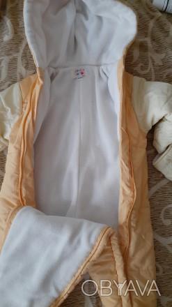 Продам осенний комбинезон, внутри на флисе, наполнитель холлофайбер, рост 50-56 . Кременчуг, Полтавская область. фото 1