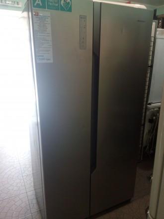 Холодильник Hisense SBS518A+EL side-by-side из Германии внутри состояние нового.. Чернигов, Черниговская область. фото 2