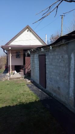 Большой двор,во дворе 3 хоз.постройки,туалет и беседка. 5 лет назад был выполнен. Таромское, Днепропетровская область. фото 3
