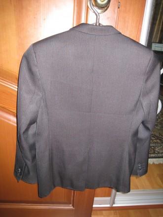 Пиджак школьный на мальчика ростом 130-145см. Цвет черно-серый, его хорошо видно. Полтава, Полтавская область. фото 3
