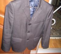 Пиджак школьный на мальчика ростом 130-145см. Цвет черно-серый, его хорошо видно. Полтава, Полтавская область. фото 2