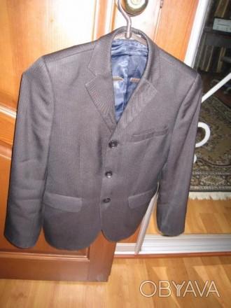 Пиджак школьный на мальчика ростом 130-145см. Цвет черно-серый, его хорошо видно. Полтава, Полтавская область. фото 1
