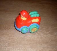 Игрушка-неваляшка, сделана в необычной форме- машинке. Такой игрушкой увлечется. Полтава, Полтавська область. фото 2