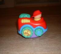Игрушка-неваляшка, сделана в необычной форме- машинке. Такой игрушкой увлечется. Полтава, Полтавська область. фото 4