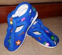 Продам детские комнатные тапочки синего цвета, в хорошем состоянии. Пересылаю то. Полтава, Полтавская область. фото 2