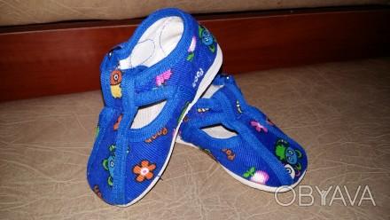 Продам детские комнатные тапочки синего цвета, в хорошем состоянии. Пересылаю то. Полтава, Полтавская область. фото 1