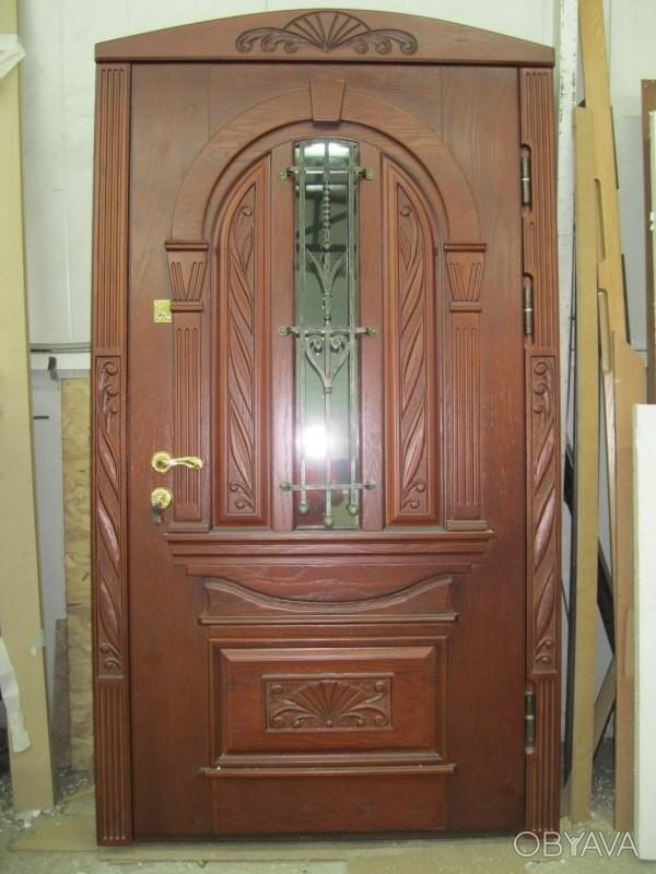 металлическая дверь в загородный дом со стеклом