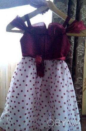 Платье на девочку 5-8 лет новое, одетое было пару раз, покупали на выпускной в с. Полтава, Полтавская область. фото 1