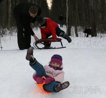 Санки для катания на снегу. Удобные, изготовлены из пластика,легкие. Ребенок сам. Хмельницький, Хмельницька область. фото 1