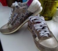 Кроссовки 35 размер, для девочки.Натуральная кожа и замша. Состояние видно на фо. Черкассы, Черкасская область. фото 4