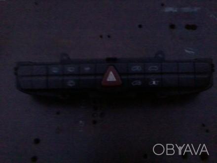продам блок панель переключения аварийки на мерседес вито оригинал.. Чернигов, Черниговская область. фото 1