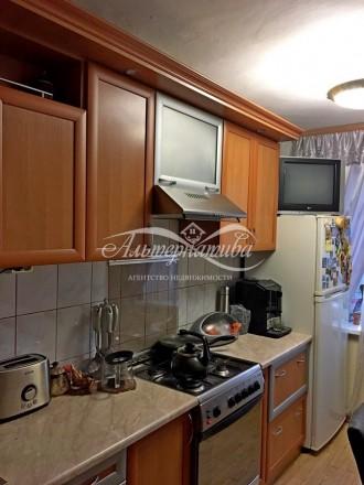 … 3 комнатная квартира по ул. 1 Мая (р-н Голливуда), общей площадью 66м2, кухня . Рокоссовского, Чернигов, Черниговская область. фото 3