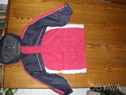 теплая куртка длина по спине55см длина рукава 40см,ширина в груди-42-44см. Харьков, Харьковская область. фото 1