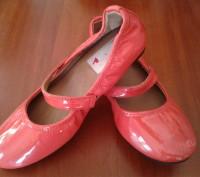 Lanvin оригинал коралловые лаковые туфли девочке 29р 18см. Каменское. фото 1