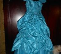 нарядное голубое платье в пол,на8 лет,на подкладке,по спинке молния,по бокам утя. Киев, Киевская область. фото 4