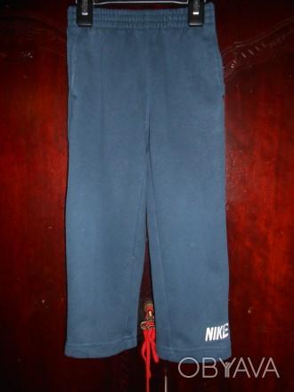 Темно  синие трикотажные штаны на 3 года,байка,с карманами,пояс  резинка,в отли. Киев, Киевская область. фото 1