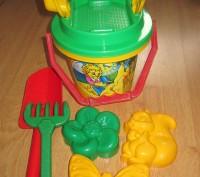 Наборы игрушек в отличном состоянии. Для игры в песочнице малышам от года и стар. Киев, Киевская область. фото 3