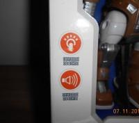 Робот на батарейке.Ходит,звук,свет. Высота робота 19 см.,размеры упаковки 24*16. Миргород, Полтавская область. фото 3