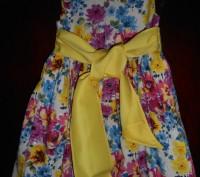 1) платье колокол на 4 г.с жёлтым пояском,на подкладке,на спинке застежка,в отли. Київ, Київська область. фото 5