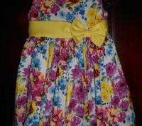 1) платье колокол на 4 г.с жёлтым пояском,на подкладке,на спинке застежка,в отли. Киев, Киевская область. фото 3