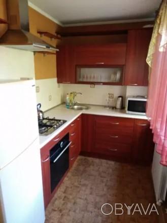 Сдаётся на долгий срок трёхкомнатная квартира в Металлургическом районе, по улиц. Дзержинский, Кривой Рог, Днепропетровская область. фото 1