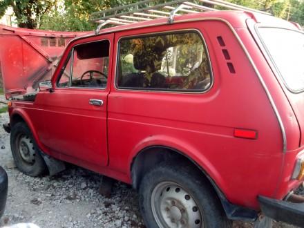 Нива, первый владелец, газ/бензин, высокая новая резина, водительское и пассажир. Днепр, Днепропетровская область. фото 3