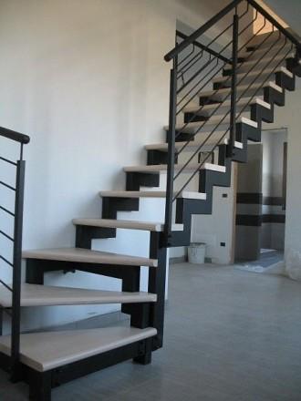 Лестницы любой формы в дом, квартиру , перила ,ступени  Производство в Киеве , . Киев, Киевская область. фото 7