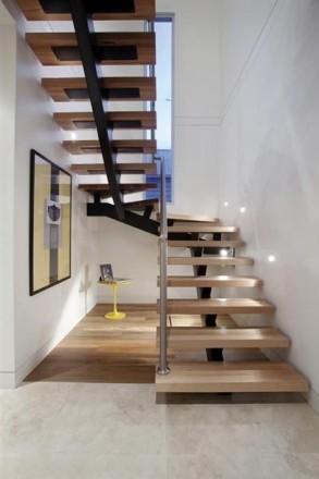 Лестницы любой формы в дом, квартиру , перила ,ступени  Производство в Киеве , . Киев, Киевская область. фото 4