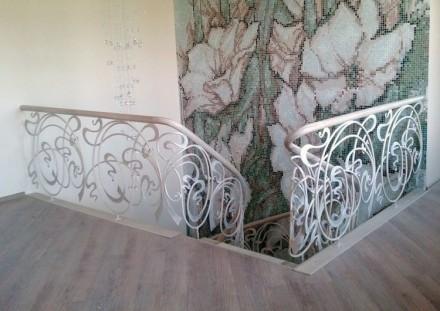Лестницы любой формы в дом, квартиру , перила ,ступени  Производство в Киеве , . Киев, Киевская область. фото 13