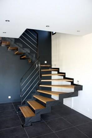 Лестницы любой формы в дом, квартиру , перила ,ступени  Производство в Киеве , . Киев, Киевская область. фото 6