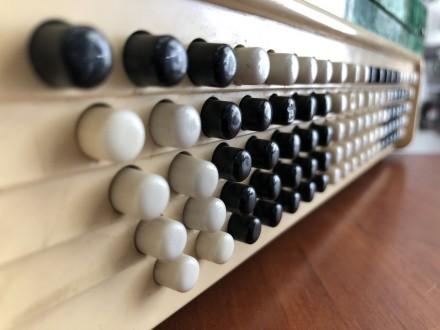 · Количество кнопок правой клавиатуры(голоса): 3 ряда, 55 шт · Количество кнопок. Чернигов, Черниговская область. фото 7