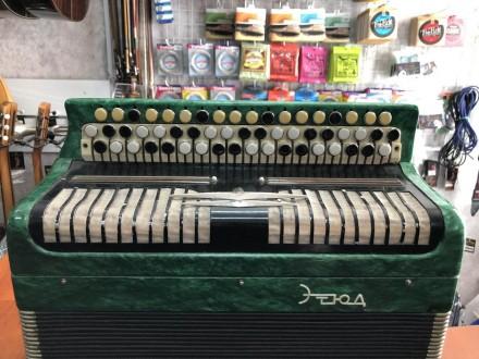 · Количество кнопок правой клавиатуры(голоса): 3 ряда, 55 шт · Количество кнопок. Чернигов, Черниговская область. фото 3