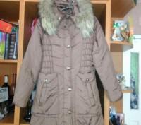 Пальто на синтепоне на девочку 10 - 12 лет теплое, удобное, красивое. В хорошем . Житомир, Житомирская область. фото 2