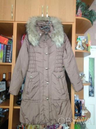 Пальто на синтепоне на девочку 10 - 12 лет теплое, удобное, красивое. В хорошем . Житомир, Житомирская область. фото 1