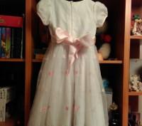 Праздничное платье на девочку, красивые узоры, стильное платье, удобное. Продажа. Житомир, Житомирская область. фото 4