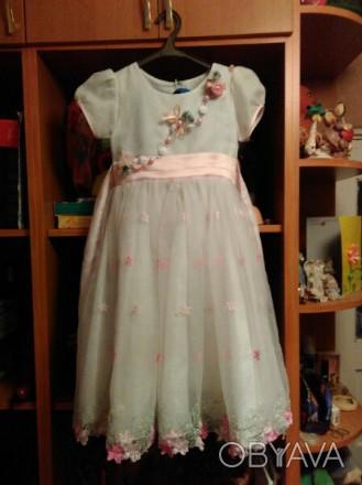 Праздничное платье на девочку, красивые узоры, стильное платье, удобное. Продажа. Житомир, Житомирская область. фото 1