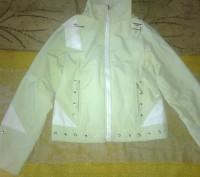 Красивая. молодежная курточка, размер S-44. Житомир. фото 1