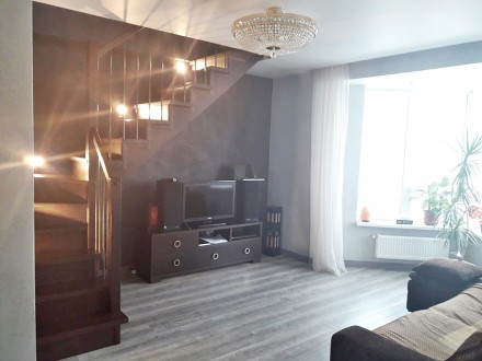 Продается двухуровневая квартира , общей площадью 86м2 в уютном и тихом месте в . Ворзель, Киевская область. фото 3