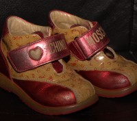 Ботинки ботиночки демисезонные натуральная кожа Итальянский бренд Moschino. Запорожье. фото 1