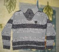 1)свитер на мальчика 3-х-4-х лет в отличном состоянии.воротник на молнии.б/у мал. Кременчуг, Полтавская область. фото 3