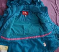 Продам демисезонную курточку на девочку рост 86 см, наполнитель холлофайбер, сос. Мелитополь, Запорожская область. фото 3