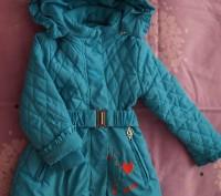 Продам демисезонную курточку на девочку рост 86 см, наполнитель холлофайбер, сос. Мелитополь, Запорожская область. фото 2