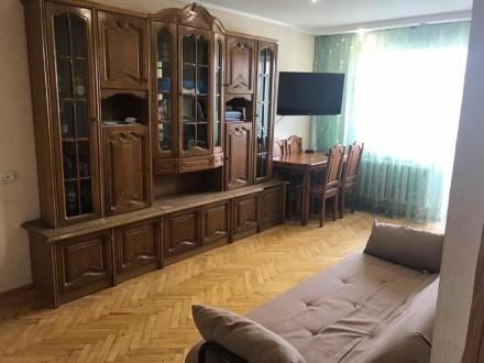 Квартира находится в самом центре города, возле Мегацентра. Уютная и аккуратная,. Мегацентр, Чернигов, Черниговская область. фото 4