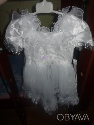 платье для девочки от 3-4,5 лет. в отличном состоянии. Никополь, Днепропетровская область. фото 1