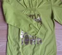 Модель П-27. Теплая зеленая водолазка на девочку. Надписи из пайеток. Производи. Киев, Киевская область. фото 3