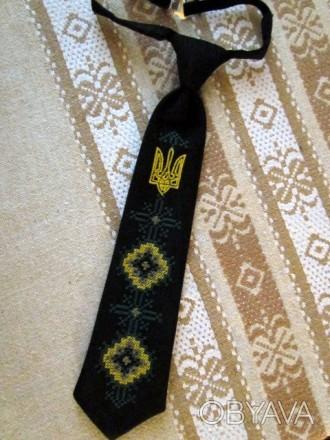 Длина галстука 27 см. На резиночке. Цвет - черный или темно-синий. Машинная в. Бровары, Киевская область. фото 1